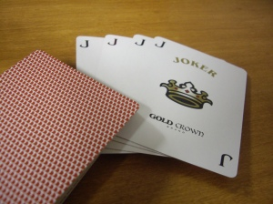 Gold Crown : Wow. I get FOUR jokers with this deck! Good for card games.